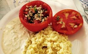 Fyllda paprikor med blomkålsris och tzatziki