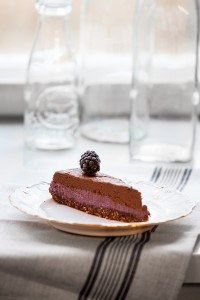 Chokladtryffeltårta med björnbär